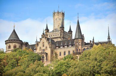 Marienburg: Prinz und Erbprinz treffen sich vor Gericht